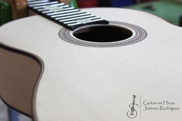 Guitarra de ciprés - Tapa de pino abeto